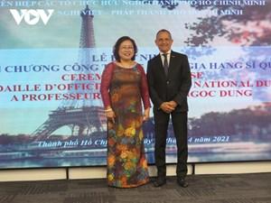 Pháp trao Huân chương Sĩ quan Công trạng quốc gia cho PGS Nguyễn Thị Ngọc Dung