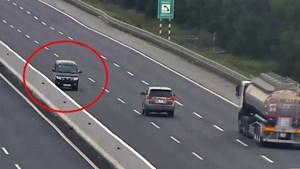 Đi ngược chiều trên cao tốc, nữ tài xế bị phạt 17 triệu đồng
