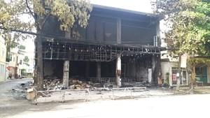 Vụ cháy phòng trà khiến 6 người chết: Vì sao không ai sống sót?