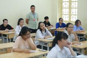 Thi vào lớp 10 tại Hà Nội: Lo điểm chuẩn tăng
