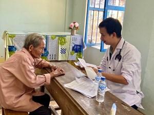 2.200 bệnh nhân nghèo được khám bệnh, cấp thuốc miễn phí