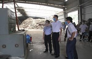 Phó Chủ tịch Phùng Khánh Tài giám sát công tác môi trường tại Nghệ An