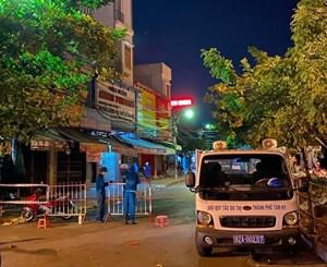 Tam Kỳ (Quảng Nam): Đưa cháu bé 11 tuổi đi cách ly trong đêm vì nghi Covid-19
