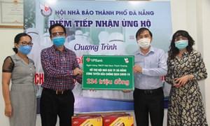 Đà Nẵng: Hội nhà báo tiếp nhận gần 340 triệu đồng ủng hộ chống dịch