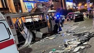 Nga: Xe buýt phát nổ giữa phố tại Voronezh