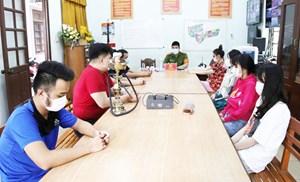 8 nam nữ thanh niên tụ tập ăn nhậu, sử dụng ma túy