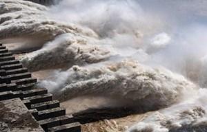 Nguy cơ lũ trên sông Hồng tăng cao do xả lũ từ Trung Quốc