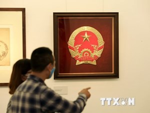 Khai mạc Triển lãm Phác thảo mẫu Quốc huy của hoạ sỹ Bùi Trang Chước