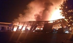 Bình Định: Cháy lớn tại Xí nghiệp Thắng Lợi