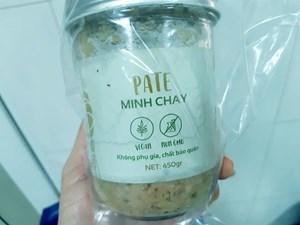 Một sư cô bị ngộ độc sau khi ăn pate Minh Chay