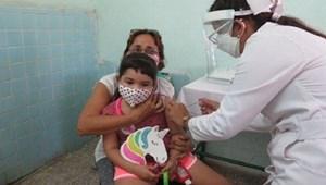 Cuba là quốc gia đầu tiên tiêm vaccine Covid-19 đại trà cho trẻ em