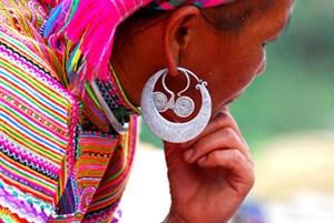 Độc đáo trang sức người Mông