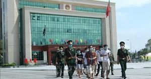 Trao trả 113 công dân Trung Quốc tại Cửa khẩu quốc tế Lào Cai