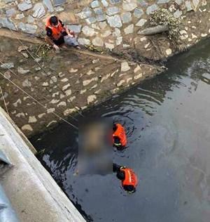 Đà Nẵng: Tìm thấy thi thể nạn nhân vụ cháy nhà dưới kênh