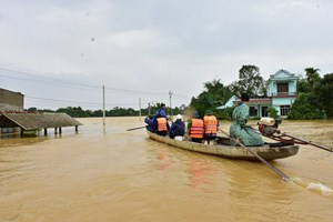 Bão số 7 'vào bờ' gây mưa to tại nhiều khu vực