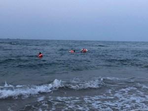 Tắm biển, nam sinh đuối nước trôi dạt 10 km