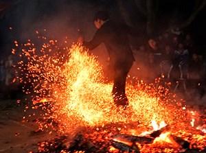 Lễ Nhảy lửa là Di sản văn hóa phi vật thể quốc gia