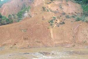 Lương Sơn (Hòa Bình): Xóm Rổng Vòng bị sạt lở