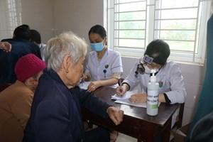 Khám chữa bệnh cho 1.000 người dân huyện Thạch Hà