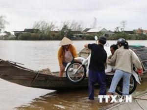 Xe công nông lật trên đường bị ngập, 1 nữ sinh thiệt mạng