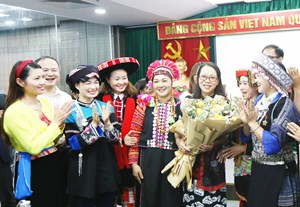 Ủy ban Dân tộc gặp mặt 63 giáo viên tiêu biểu