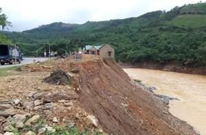 Sau lũ, bờ sông ở Quảng Trị tiếp tục sạt lở