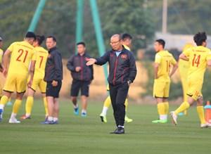 Chấn thương, tiền vệ trẻ Hai Long chia tay Đội tuyển