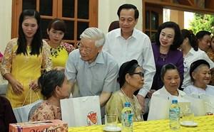 Trình Chủ tịch nước việc tặng quà Tết Tân Sửu năm 2021 cho người có công với cách mạng