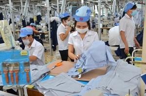 Chủ doanh nghiệp không được épngười lao động mua hàng hóa, dịch vụ
