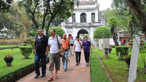 Khách quốc tế đến Việt Nam giảm gần 80%