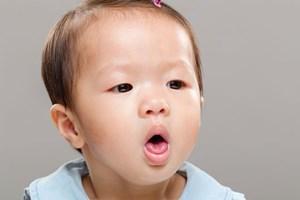 Bài thuốc chữa ho, suyễn, thở khò khè ở trẻ em