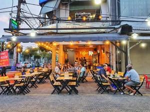 Nhà hàng, quán ăn sẵn sàng thực hiện quy định giãn cách phòng chống dịch Covid-19
