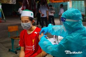 [ẢNH] Đồng bào Chăm tại TP HCM: Rất vui vì được tiêm vaccine!