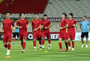 Xác định 4 cầu thủ Việt Nam bị loại khỏi danh sách đấu với Trung Quốc