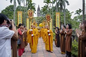 Nhiều hoạt động ý nghĩa tại Lễ cung rước và an vị tượng Phật Hoàng Trần Nhân Tông