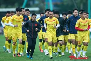 Thầy trò HLV Park Hang Seo tập luyện dưới cái lạnh tê người ở thủ đô