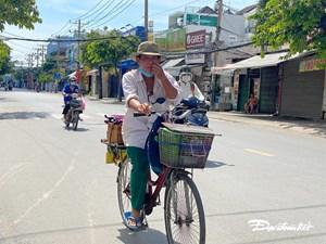 (ẢNH) TP Hồ Chí Minh giãn cách, người nghèo khó khăn mưu sinh