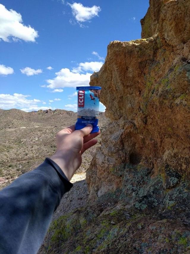 """""""Tôi đã tìm thấy vách đá giống như vỏ hộp bánh Clif""""."""