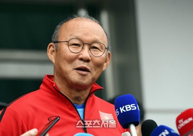 HLV Park Hang Seo đặt mục tiêu giành vé dự vòng loại cuối cùng World Cup 2022.