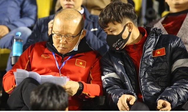 HLV Park Hang Seo và trò cưng Quế Ngọc Hải.