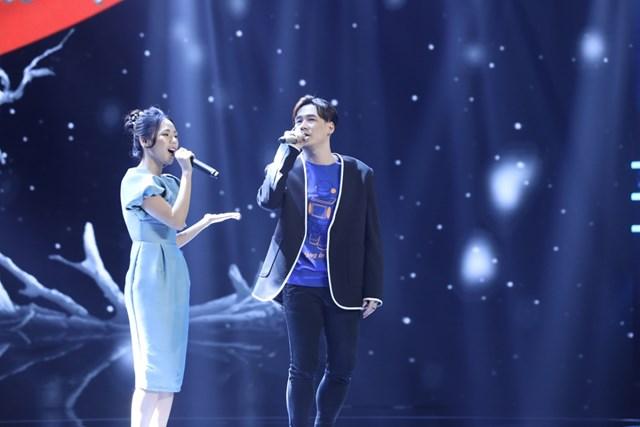 Ca sĩ Khánh Phương và Hương Ly.