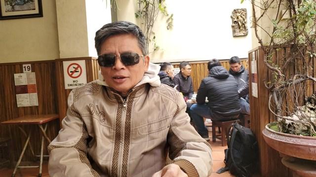 Quán cà phê quen thuộc ông Quý hay lui tới khi vắng khách.