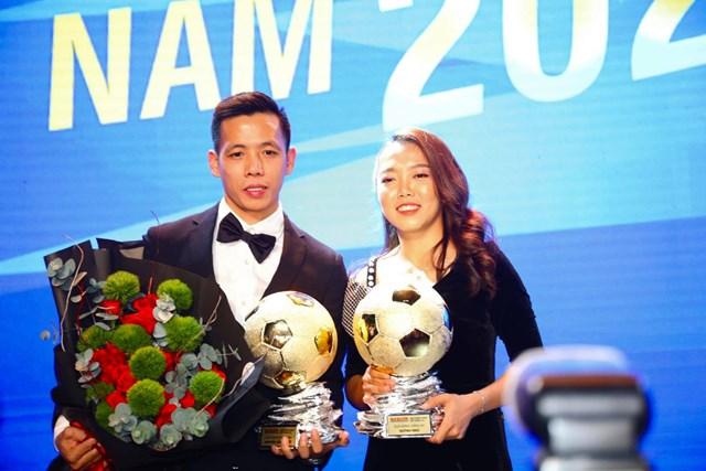 Hai Quả bóng Vàng Việt Nam 2020 Văn Quyết (nam) và Huỳnh Như (nữ). Nguồn:NLĐO.