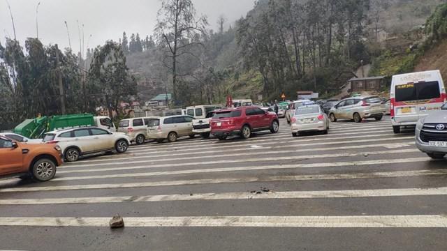 Tuyến đường tạm thời cấm phương tiện lưu thông.