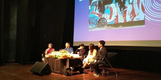 Các nghệ sỹ trong buổi ra mắt dự án ngày 12/1. (Ảnh: Minh Thu/Vietnam+)