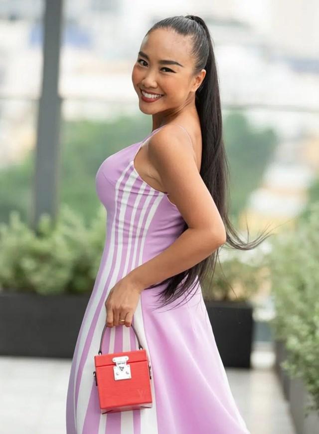 Kể từ sau khi kết hôn, Đoan Trang dành thời gian chăm sóc chồng con, thỉnh thoảng mới xuất hiện ở các sự kiện.