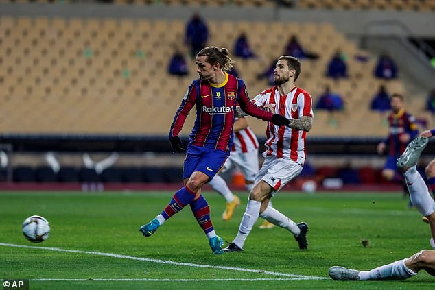 Griezmann mở tỷ số cho Barcelona ở phút 40.