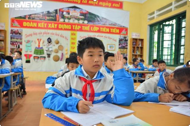 Tẩn Minh Khải luôn đạt danh hiệu học sinh giỏi và là thành viên của đội tuyển trường trong nhiều năm. (Ảnh: Quốc Việt).