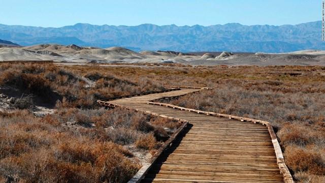 Công viên Quốc gia Thung lũng Chết ở California (Mỹ) giữ kỷ lục là nơi nóng nhất trên Trái đất.