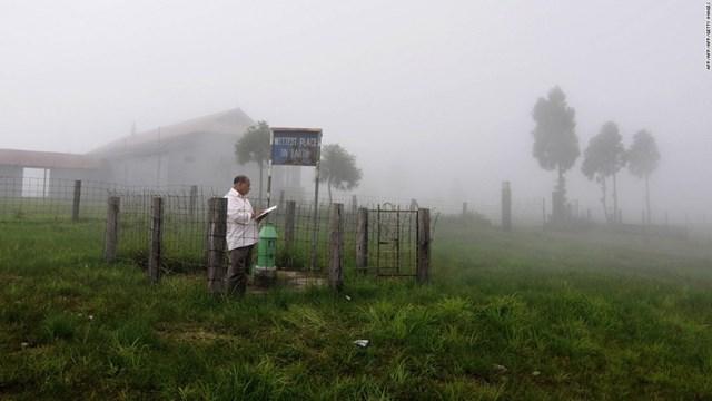 Làng Mawsynram ở bang Meghalaya, Đông Bắc Ấn Độ, là nơi ẩm ướt nhất trên Trái đất với lượng nước mưa trung bình hàng năm lên tới 467 inch (khoảng 11,86 mét).